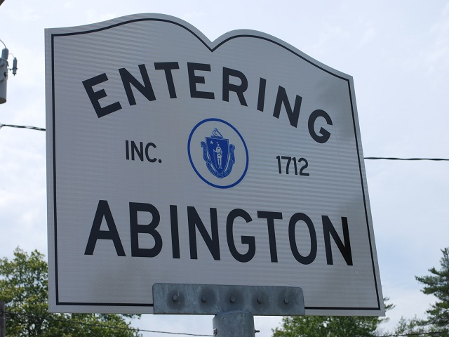 EnteringAbington1